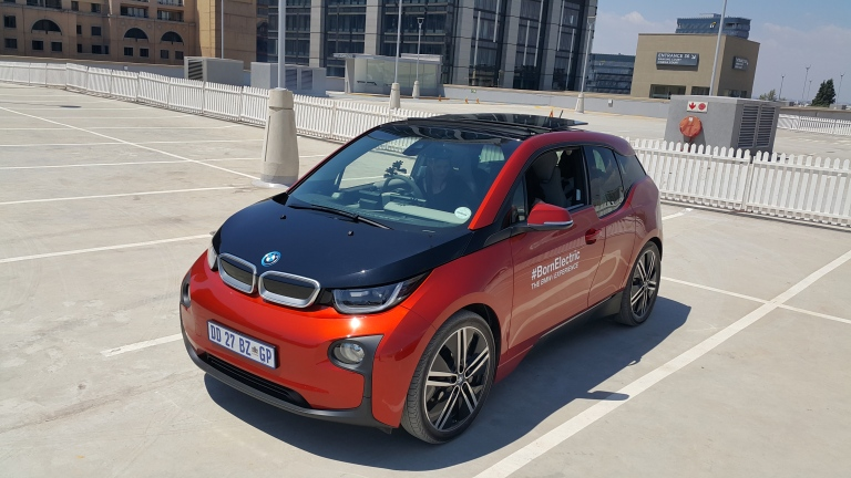 BMW I3 on the Sandton City rooftop. Amazing little 100 metre course, to get a quick feel on the car and acceleration. See our video on our facebook page.