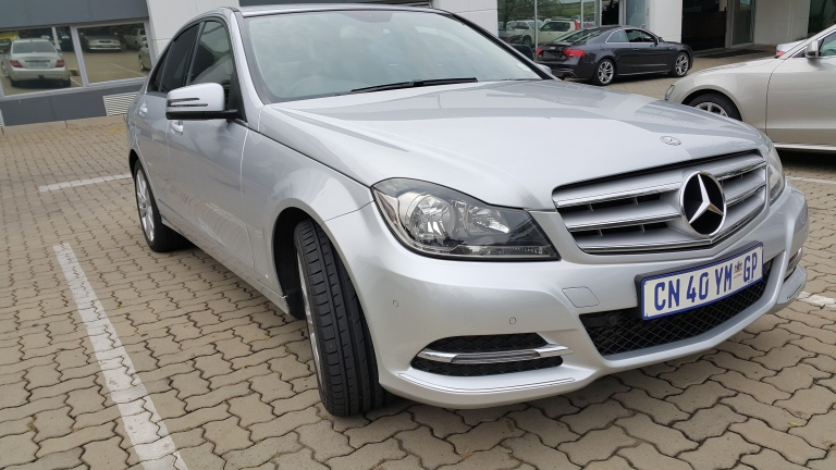 Mercedes C 200 (old shape)